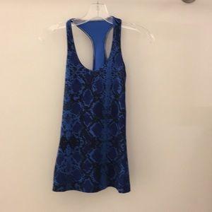 lululemon athletica Tops - Lululemon blue snakeskin tank top sz4 64579